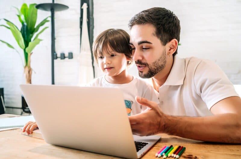 Jeu en ligne enfant : Est-ce une bonne idée d'activité ?