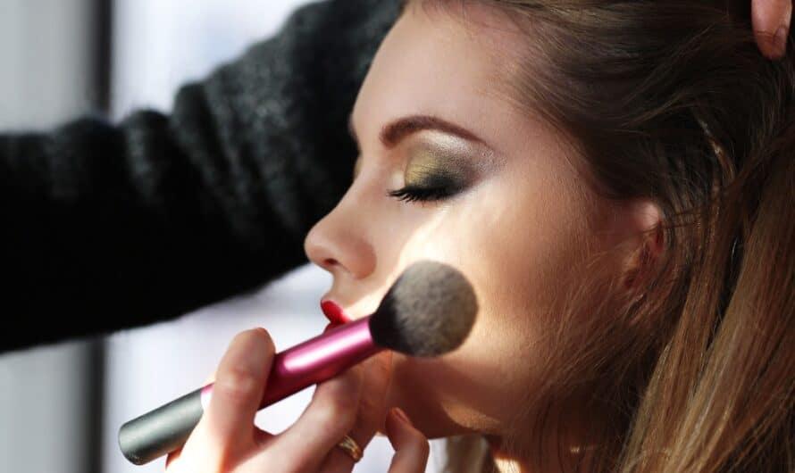 Produits de Maquillage : Quoi mettre dans sa trousse à maquillage ?